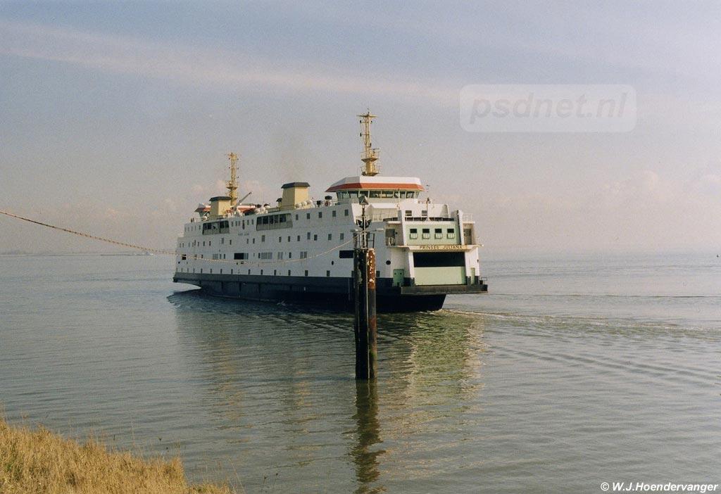 De PSD-veerboot Prinses Juliana van het autoveer Kruiningen-Perkpolder gezien in Perkpolder