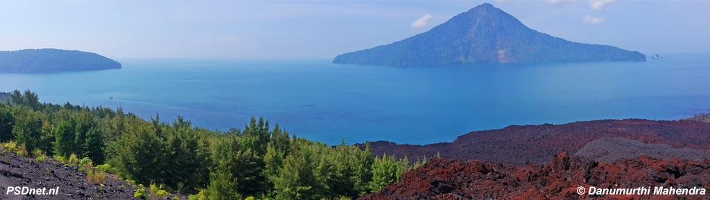 Vulkaan Krakatau in Straat Soenda
