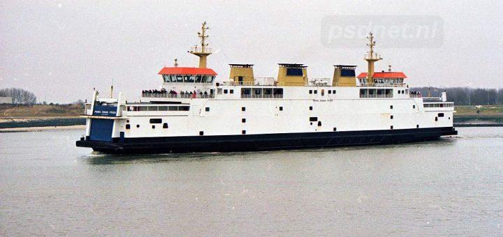 Breskens-veerboot-in-veerhaven